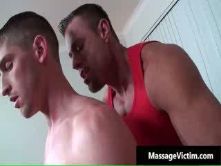 Caldi e arrapato dude gets il massaggio