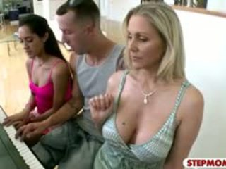 Stepmom Julia Ann Horny 3some Action With Teen Couple