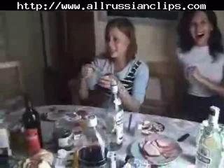 Ρωσικό students σεξ όργιο μέρος 1 ρωσικό cumshots καταπίνοντας