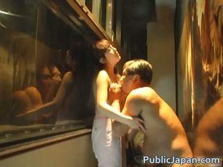 Asiatic papusa este o ciudatel amator care