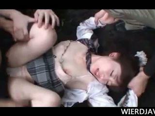 Peu asiatique école fille kidnapped et bouche baisée hardcore