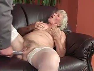 Babičky šťastný birthday plný video, volný porno 25