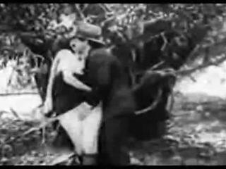 Αντίκα πορνό 1915 ένα ελεύθερα βόλτα