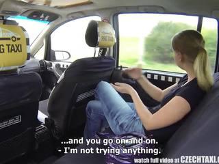 Tjekkisk taxi - blond tenåring gets ride av henne livet