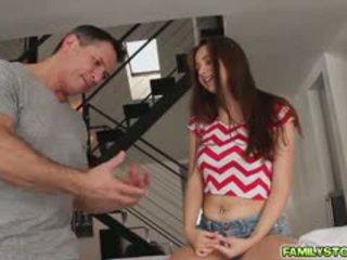 Elektra pijet her step dad