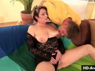 Melnas mežģīnes un baltie karstās sekss video
