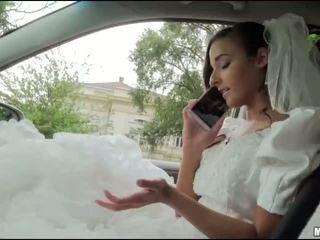 Runaway noiva amirah adara sexo em um carro