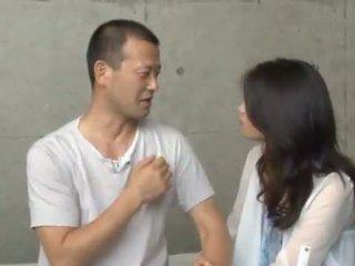 Maki Hokujo Has Fondled And Bumped By 3 Salacious Men