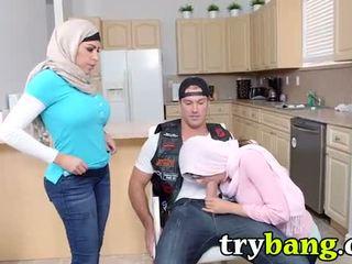 Arab mia khalifa & juliana vega pamāte 3way