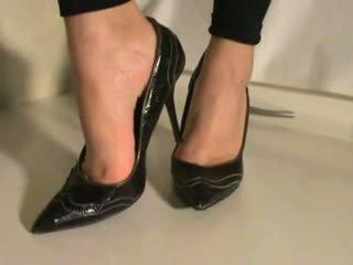 ķircināt, pēda, papēži