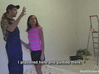Elad a gf: slutty teeny marina gets készpénz mert giving neki punci