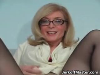セクシー 熟女 nina hartley stripping