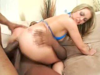 Blondine aline zoals zwart dicks in haar bips
