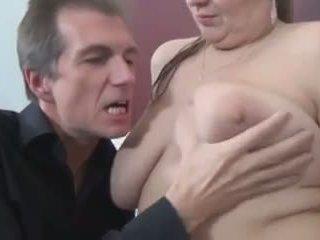 Bella e grassa (bbw) cameriera serviced: gratis bella e grassa (bbw) porno video 13
