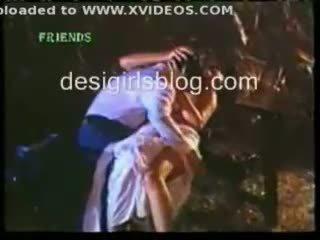Indisch heiß sex szenen aus hindi horror film