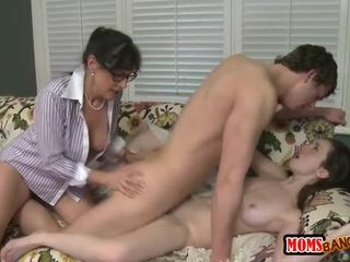 Experienced Mommy Teaching Gals