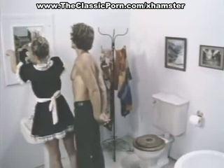 Klassinen porno kohtauksia sisään a kylpyhuone