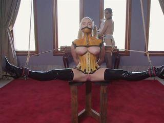 O brinquedo: lésbica & bdsm hd porno vídeo 42