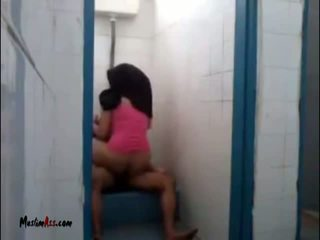 Hijab jilbab seks në tualet