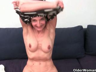 Abuela con peluda coño gets fingered