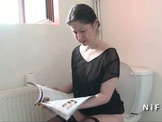 आमेचर फ्रेंच मोम seduces बोए और gets उसकी आस nailed