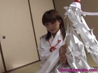 Wild Babe Kitajima Performs Fantastic Orall Service