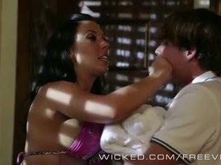 Wicked - hot cougar rachel starr loves kuk