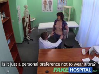 Fakehospital doktor solves patients depression durch oral sex und ficken während consultation
