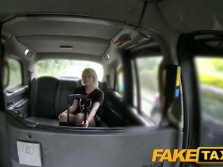 Faketaxi الاسكتلندي lass rides كبير كوك