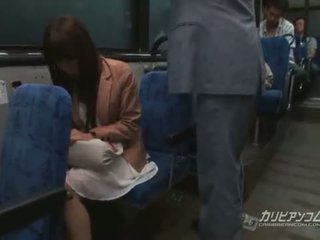 Chikan ระยำ บน รถบัส