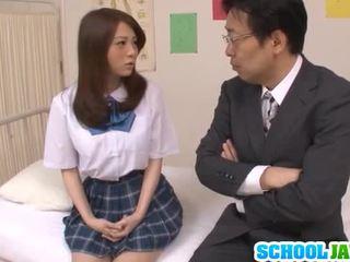 Teenager schoolmeisje rui tsukimoto