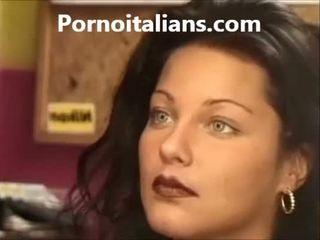 Itaalia daam licking karvane tussu märg riist craving