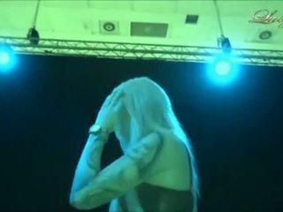 Lucy cat - bj in de backstage
