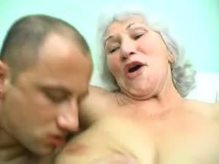 big boobs, nenek, jatuh tempo