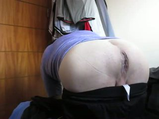 Mr bighole gaped s thick črno dildo!