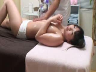 brunetă, voyeur, masturbarea