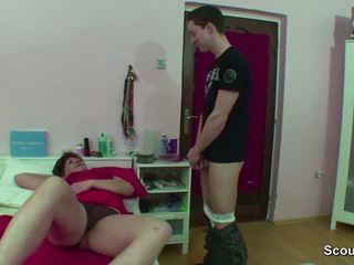 אנמא נתפס גרמני נער מאונן כאשר wake למעלה ו - לקבל זיון