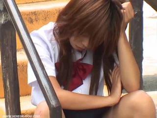 Meisje pubic haar in de outdoors