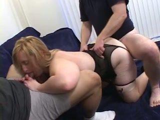 Blondýnka v heat double-penetrated