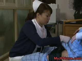 Super sexy japans nurses zuigen