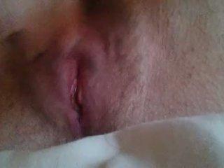 Fille masturbation til elle comes près jusqu'à