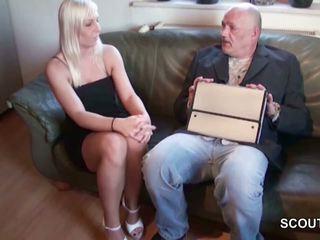 Opa gerichtsvollzieher fickt teen schulderin wenn eltern