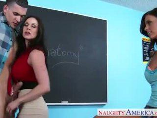 Sexo teachers kendra lust e whitney westgate sharing caralho em sala de aula