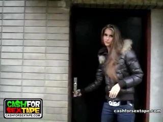Mengen van video's door cash voor xxx tape