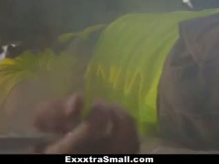Exxxtrasmall - ištvirkęs paauglys pakliuvom iki mechanic