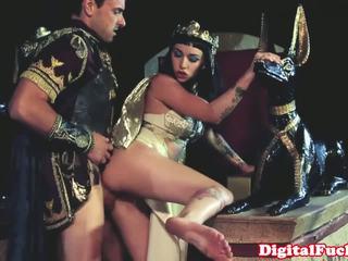 Egyptisch babe zuigen en neuken hard