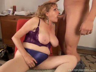 Big tits MILF loves to sucks