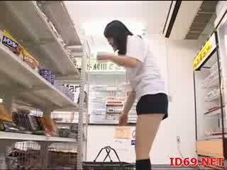 Japānieši av modele kails un robeža