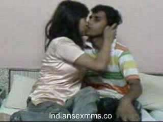 Indisch lovers hardcore seks scandal in slaapzaal kamer leaked
