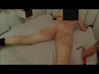 Rijpere whipped en caned voor overspel, hd porno 34